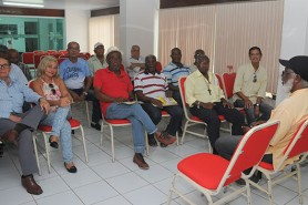 Diretores Delegados e atividade de Aposentados